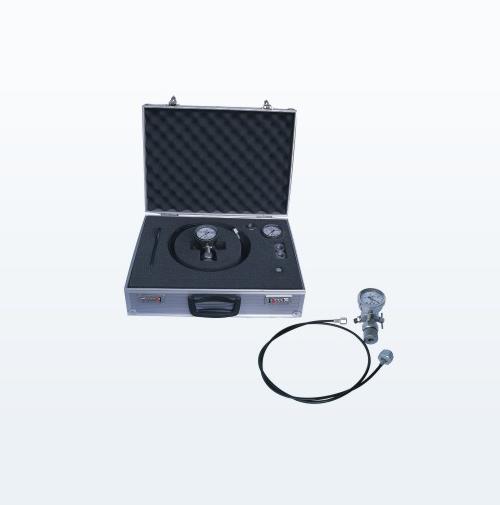 蓄能器箱式充氮工具
